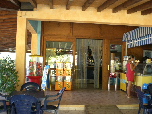 bar del Camping Village Porto Corallo